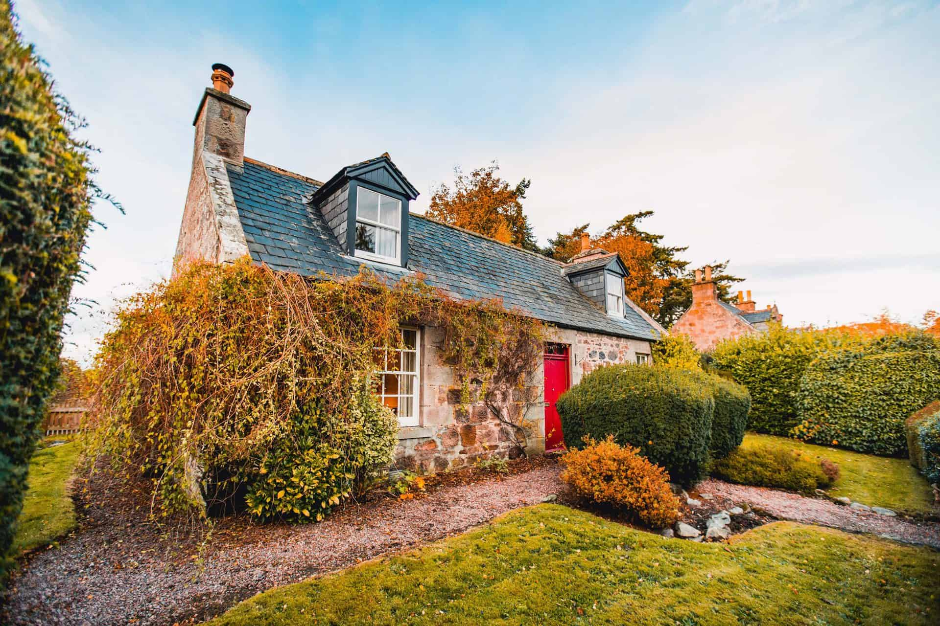 Ivy Cottage - Holiday Vacation rental at Cawdor Estate